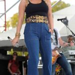 Jessica Simpson, high-waisted-jeans