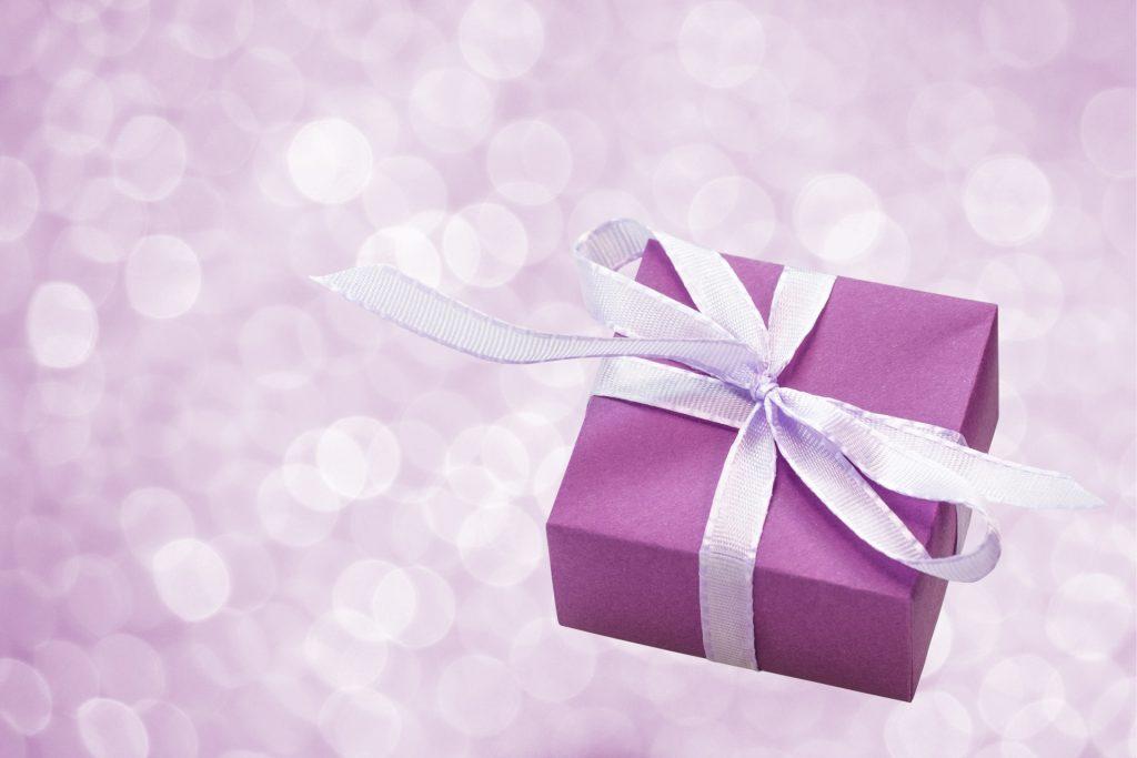 Hollywood swag gift-box