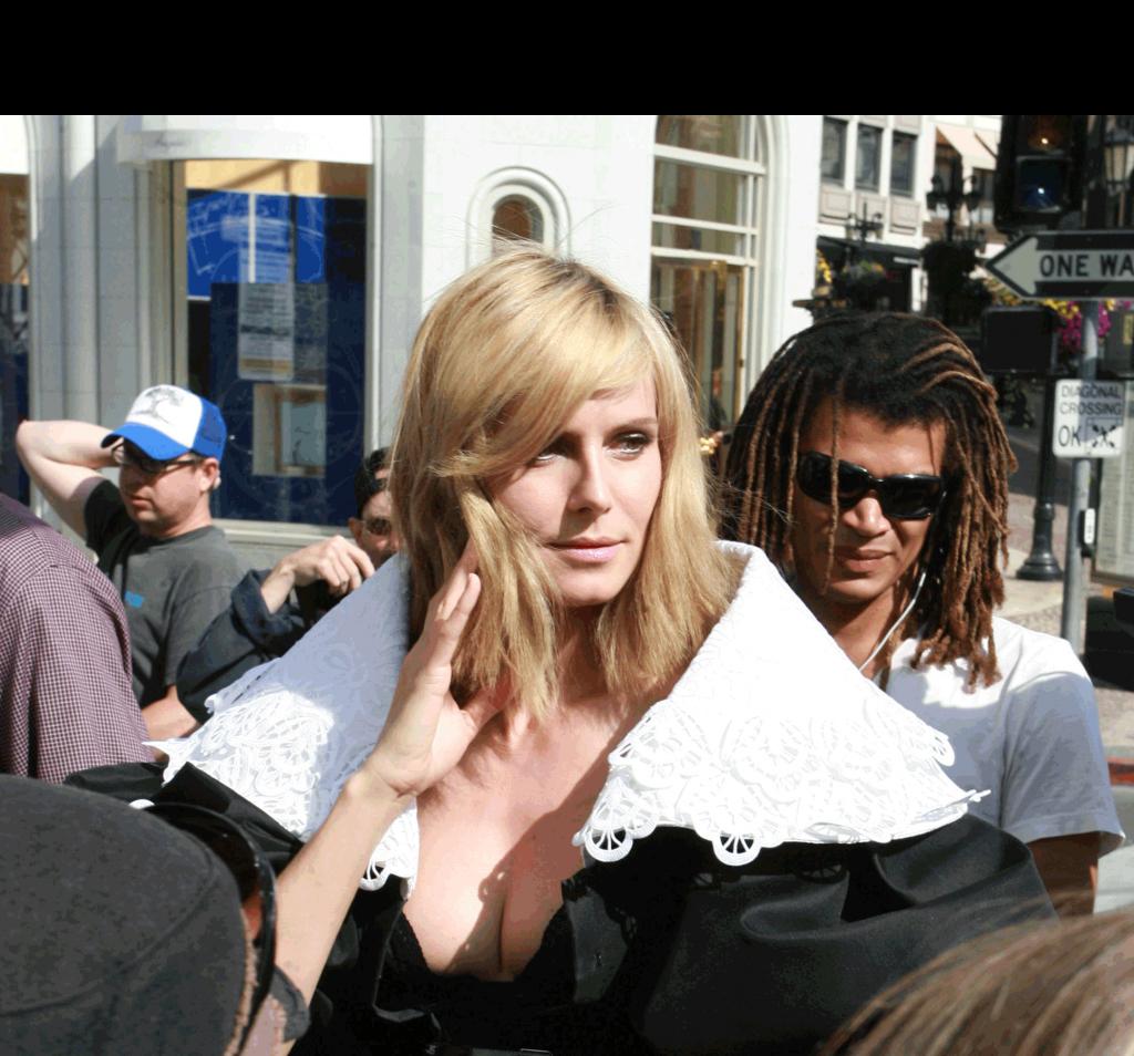Heidi Klum Los Angeles April 1 2009