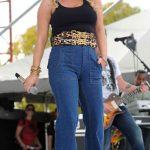 Jessica Simpson, high-waisted-jeans