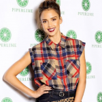 jessica-alba-plaid-shirt-print-clutch