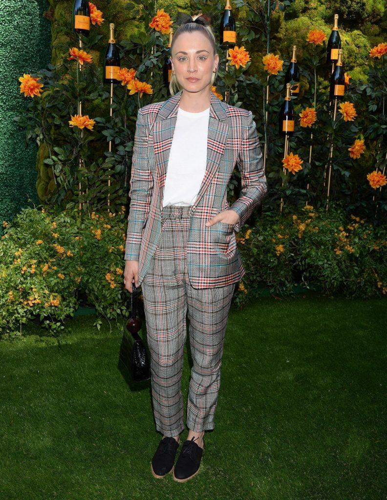 Celebrity Fashion, Fall Plaid Trend, Kaley Cuoco