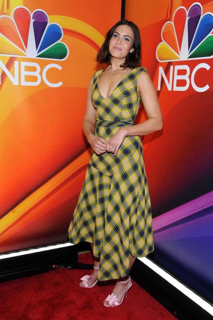 Celebrity Fashion, Fall Plaid Trend, Mandy Moore