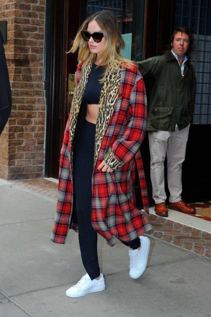 Celebrity Fashion, Fall Plaid Trend, Margot Robbie