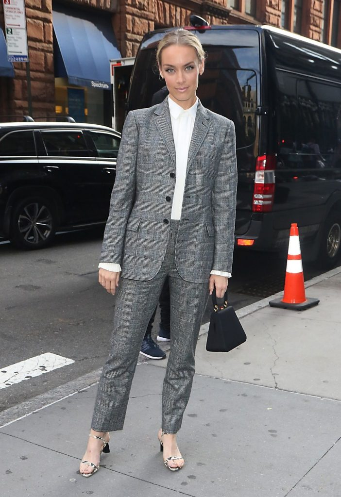 Celebrity Fashion, Fall Plaid Trend, Rachel Skarsten