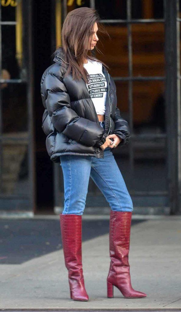 Emily Ratajkowski in puffer jacket, Celebrity winter coats, Celebrities wearing puffer jackets