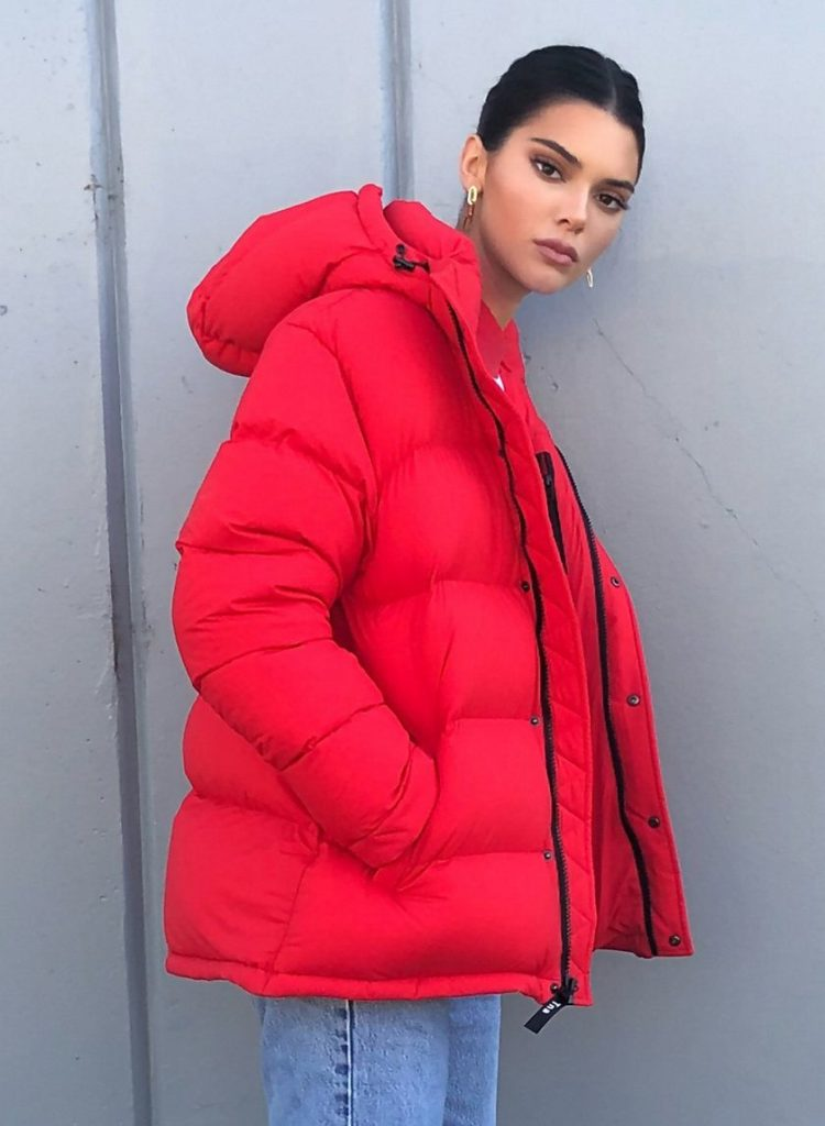 celebrity winter coats, celebrity puffer jackets, kendall jenner, tna, The Super Puff, Aritzia, red puffer coat, kylie jenner puffer jacket, meme, bubble coat, bubble jacket, big puffer jacket, big bubble coat, puffer coat