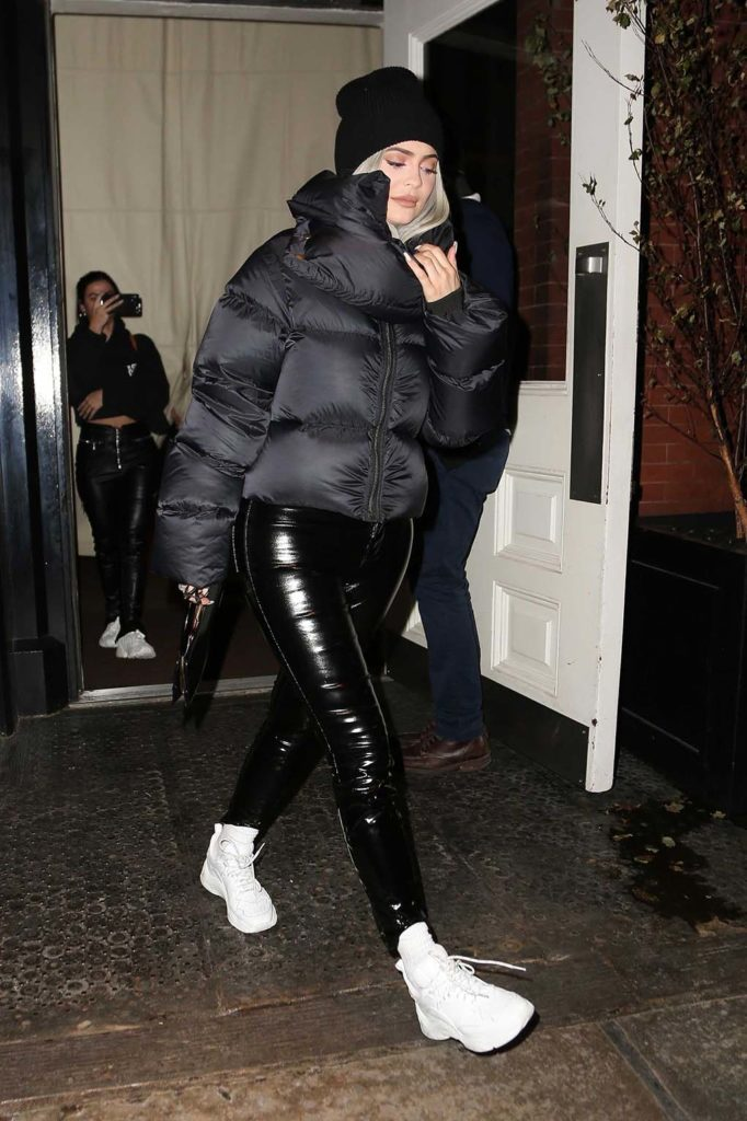 kylie jenner, rick owens puffer jacket, celebrity winter coats, celebrity puffer jackets, kylie jenner puffer jacket, bubble coat, bubble jacket, big puffer jacket, big bubble coat, puffer coat