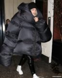 kylie jenner puffer jacket, meme, black puffer jacket, bubble coat, bubble jacket, big puffer jacket, big bubble coat, puffer coat, celebrity winter coats, winter coats, fashion, celebrity fashion