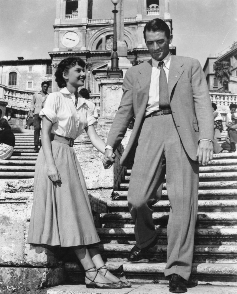 white top, skirt outfits, Audrey Hepburn, Gregory Peck, Roman Holiday