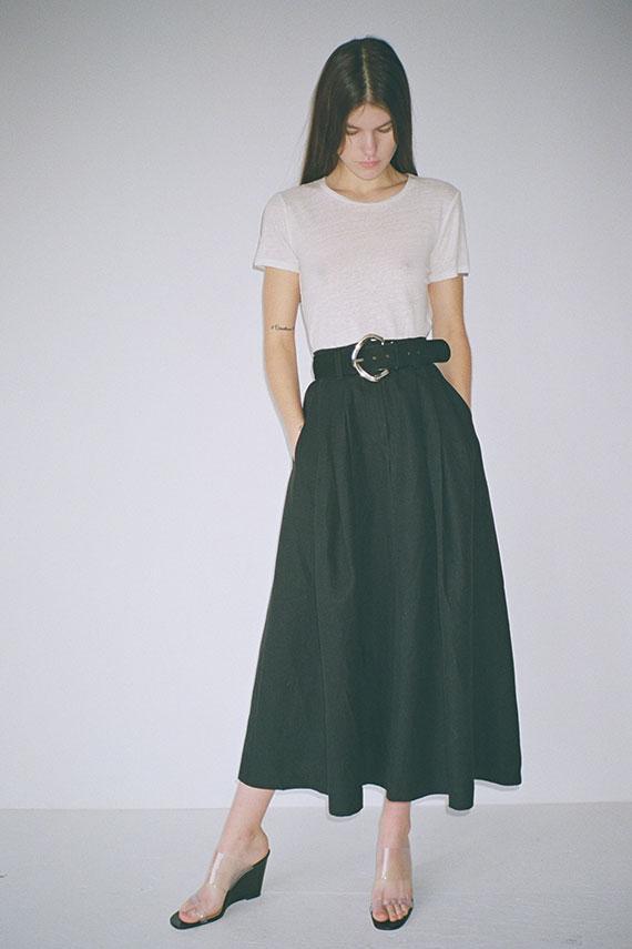black skirt white top, skirt outfits, mara hoffman, tulay skirt