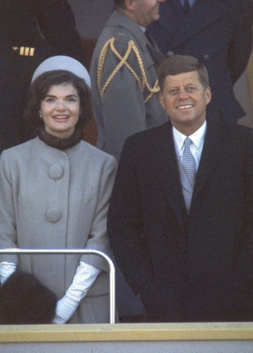 Jacquline Kennedy inauguration outfit wasn't really blue but beige