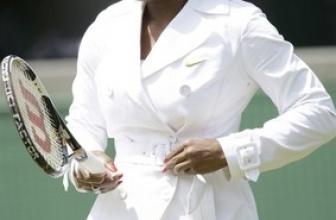 Serena Williams Loves Coats!